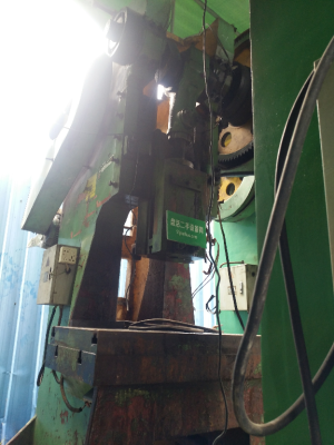 荣兴锻压 机械冲床 J21L-63D